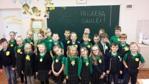 1c klasė kūrėme emblemas saulutes, kalbėjome apie pagarbą saulei.